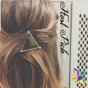 Brandy Melville Gold Metal Triangle Hair Clip